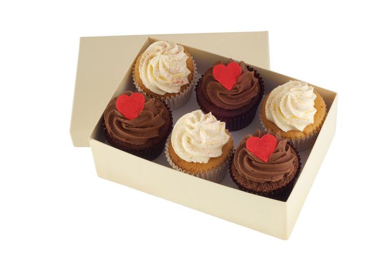 Valentines Vanilla Chocolate Cupcakes x 6